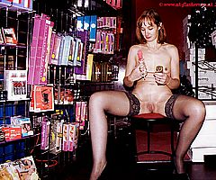 Janes Nude Public Shopping